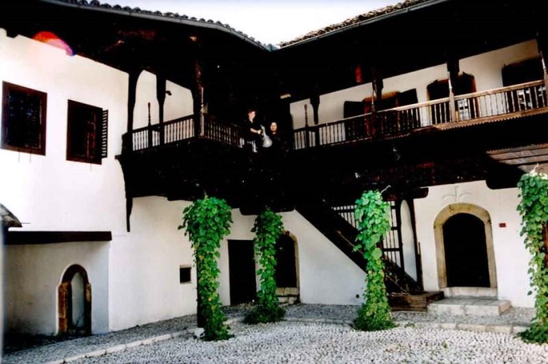 bosnian-house.jpg